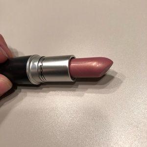 💄MAC Frost Lipstick - Fabby